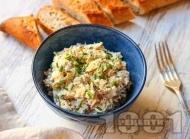 Рецепта Разядка пастет с яйца, пушена скумрия, кисели краставички и майонеза